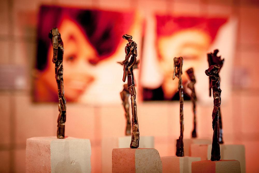"Art Stars Shine at Awards Gala – 11 Years of ""Louies"""